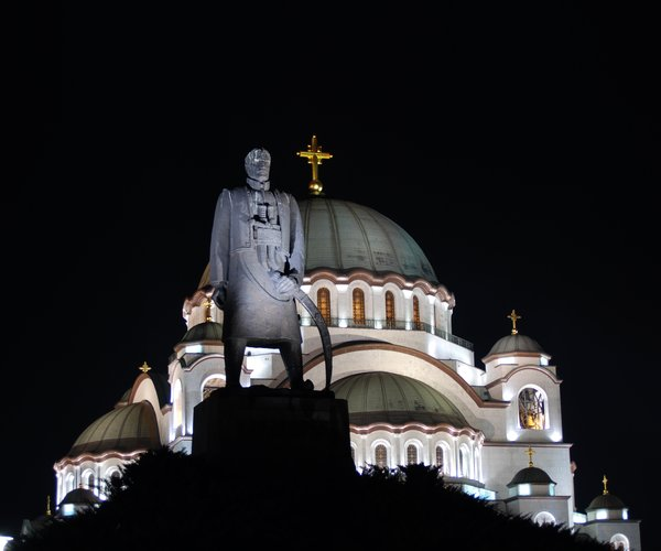 Monument to Karadjordje in front of Church of Saint Sava